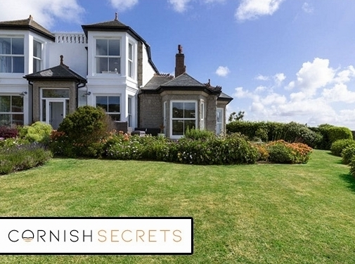https://www.cornishsecrets.co.uk/property-locations/st-ives-holiday-cottages/ website